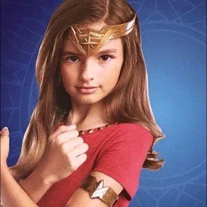 Wonder Woman Headdress + Armband Costume Accessory